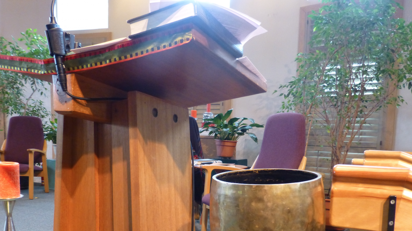Pulpit and Temple Bell at First Unitarian Universalist Church of Columbus